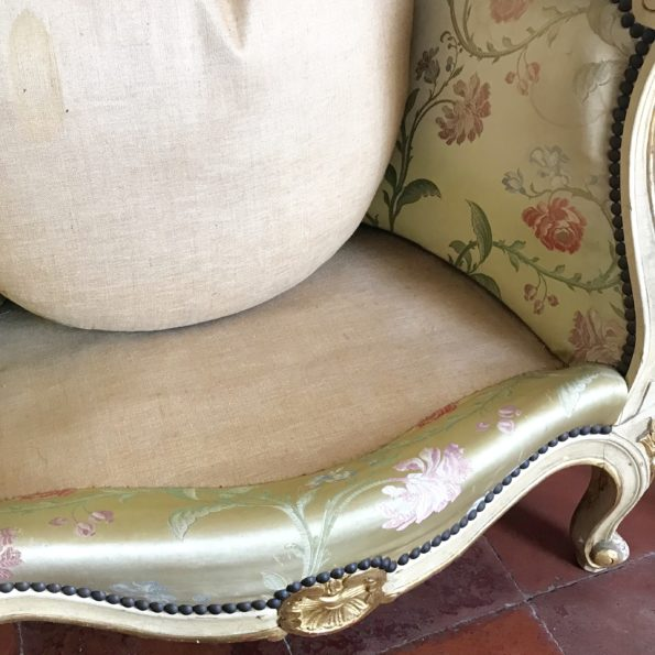 Fauteuil bergère en soie ancien vintage style Louis XV