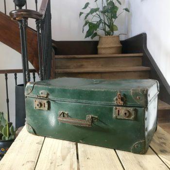 Valise verte vintage