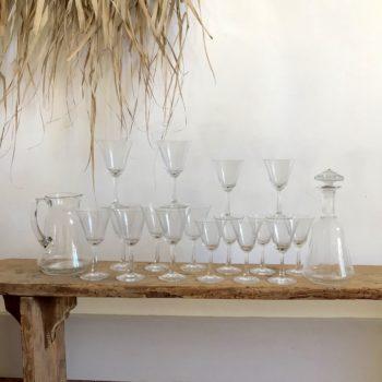 Verres et carafes en verre ciselé service