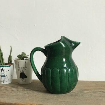 Carafe ou pichet en céramique verte