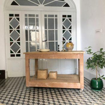 Table drapier d'atelier ou industriel en bois à roulettes