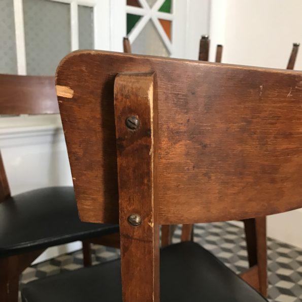 Ensemble de 6 chaises en bois et skai noir vintage scandinave