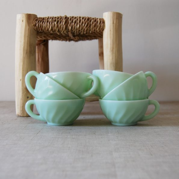 Tasses à café en opaline mint