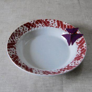 Plat blanc et rouge faïence Amandinoise