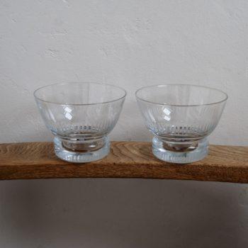 Coupelles en verre ciselé
