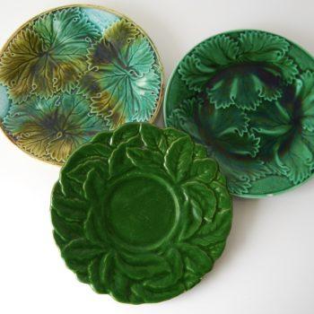 Assiettes à dessert en barbotine feuilles