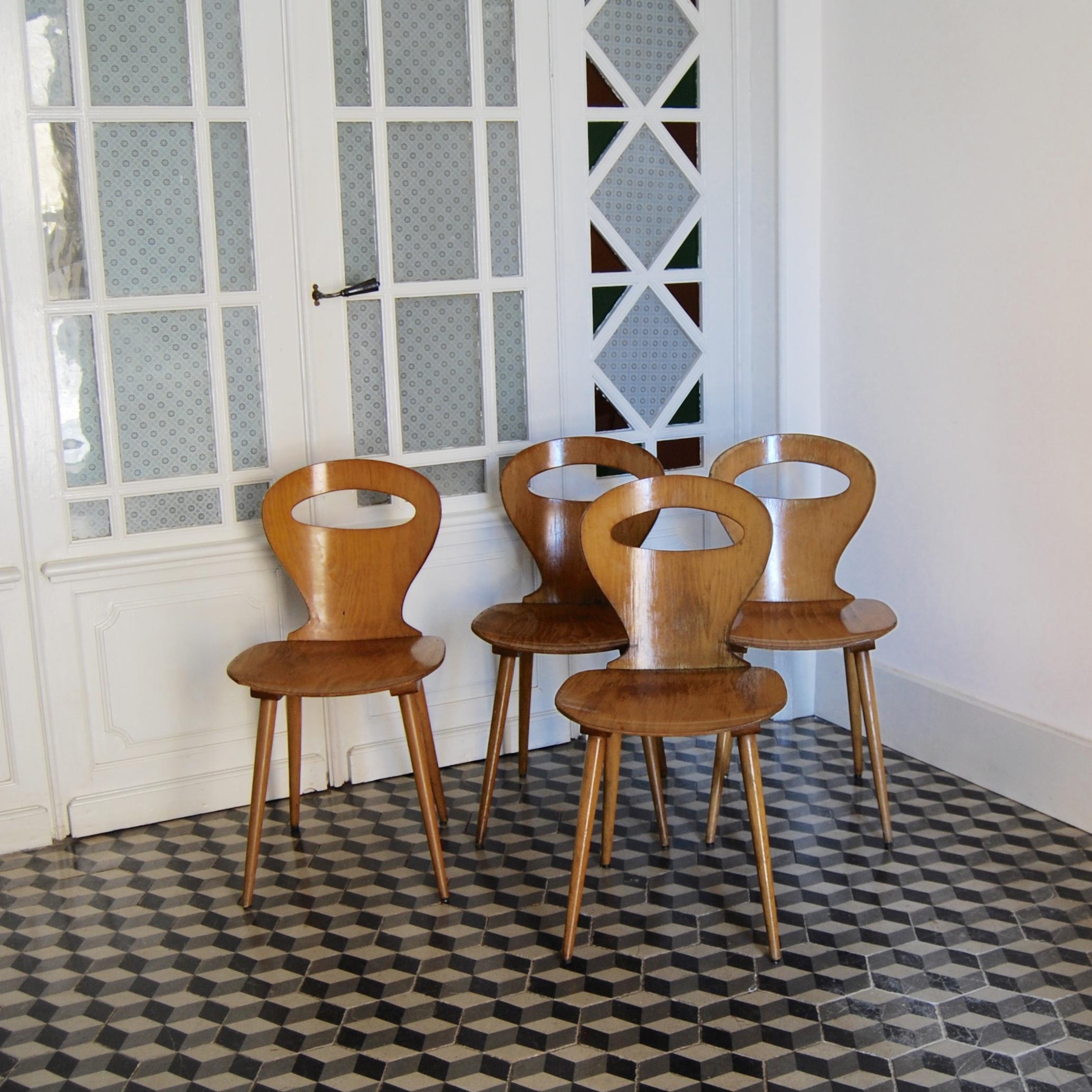 chaises baumann mod le fourmi brocante avenue. Black Bedroom Furniture Sets. Home Design Ideas
