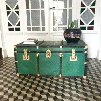 Malle de voyage ancienne noir vert bois métal