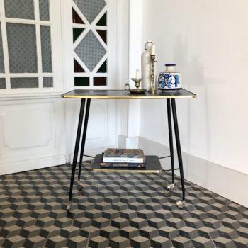 Table d'appoint vintage à roulettes