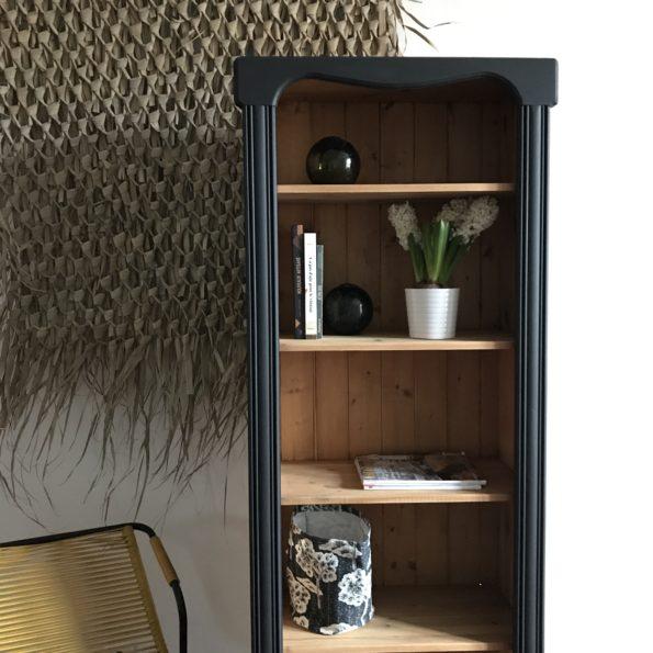 Bibliothèque en bois et noir peinture libéron