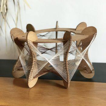 Suspension fils et bois scandinave blanc marron
