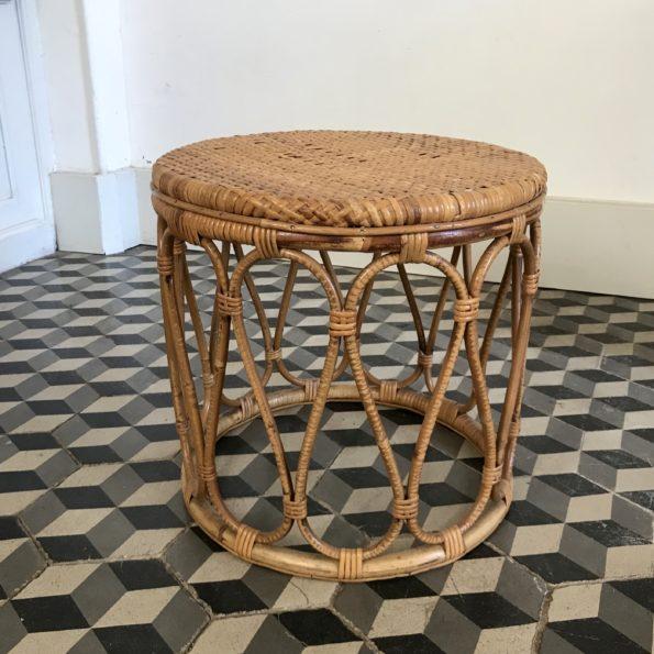 Table d'appoint ou de chevet en rotin