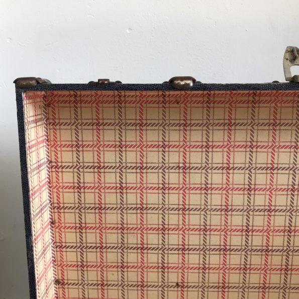 Valise vintage en carton et bois