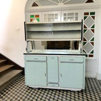 Meuble de cuisine vintage bleu en formica 1950 partie haute vitrée