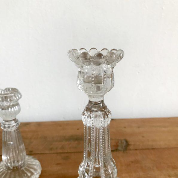 Paire de bougeoirs en verre vintage