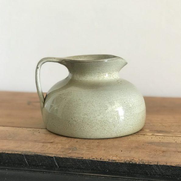 Ancien pot à lait pichet en grès signé Jean DubostàNoron la PoterieNormandie
