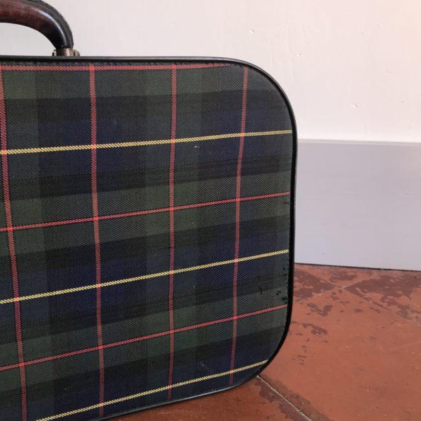 Valise vintage au motif écossais
