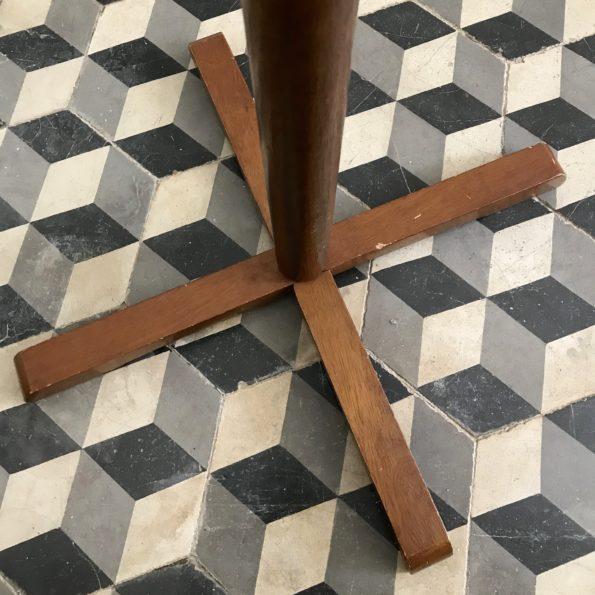 Porte manteaux en bois sur pied avec 6 patères modulables
